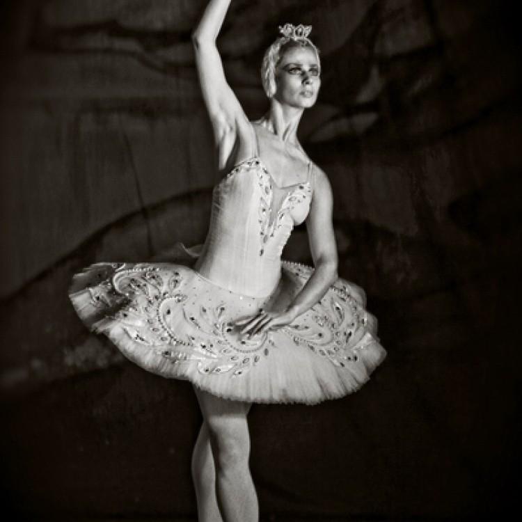 HATTYÚK TAVA  Kijev  City balett #3996