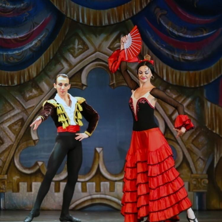 HATTYÚK TAVA  Kijev  City balett #4024