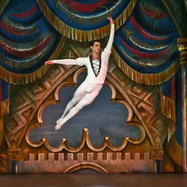 HATTYÚK TAVA  Kijev  City balett #4034