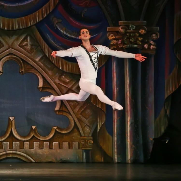 HATTYÚK TAVA  Kijev  City balett #4035