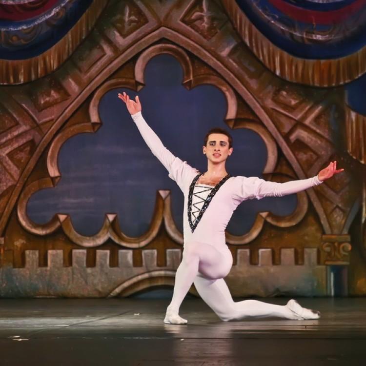 HATTYÚK TAVA  Kijev  City balett #4036