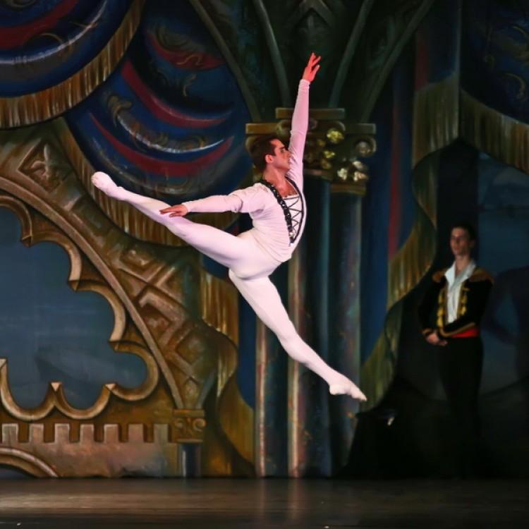 HATTYÚK TAVA  Kijev  City balett #4039