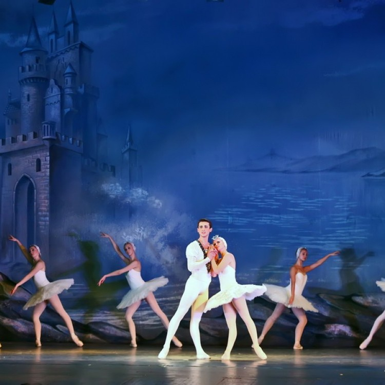 HATTYÚK TAVA  Kijev  City balett #4048
